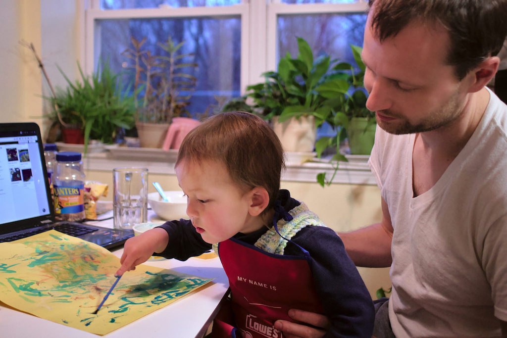 Child attachment to father stronger when a father cares for his toddler on working days